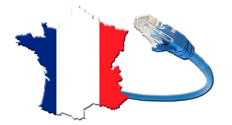 La France sur une carte, attachée à un câble Ethernet